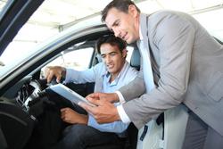 Für Automobilkaufleute gibt es eine große Anzahl an Weiterbildungsmöglichkeiten.