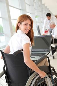 Für Behinderte stellt ein Fernstudium eine gute Möglichkeit dar, eine akademische Qualifizierung zu erlangen.