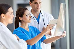 Berufsbegleitende Weiterbildungen für Gesundheits- und Krankenpfleger