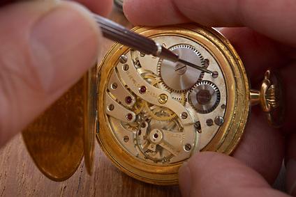 Uhrmacher  Uhrmacher Weiterbildungen, Fortbildungen - mevaleo